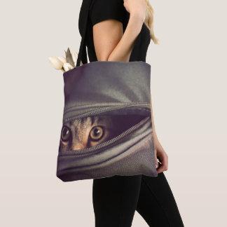 若い虎猫の子ネコ トートバッグ