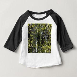 若い《植物》アスペンの木 ベビーTシャツ