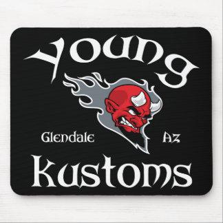 若いKustomsのマウスパッド マウスパッド