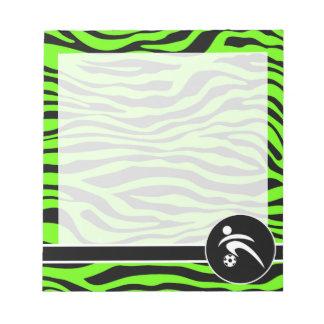 若草色のシマウマは縞で飾ります; サッカー ノートパッド
