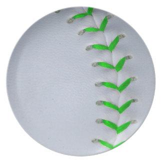 若草色のステッチの野球/ソフトボール プレート