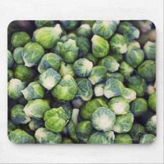 若草色の新しい芽キャベツ マウスパッド