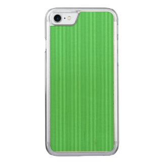 若草色の縦ストライプパターン CARVED iPhone 8/7 ケース