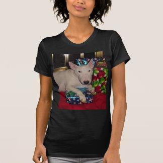英国のブルテリアのクリスマスプレゼントの暖炉 Tシャツ