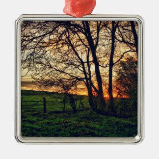 英国の田舎日没HDRの芸術のオーナメント シルバーカラー正方形オーナメント