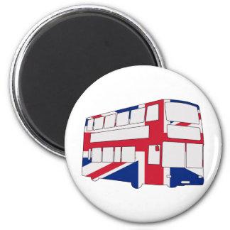 英国国旗のTシャツおよびギフトが付いているロンドンバス マグネット