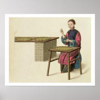 茶を準備している女性は「衣裳からの21をめっきします ポスター