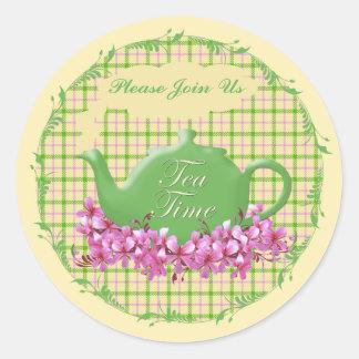 茶時間ティーポットの春の格子縞 ラウンドシール
