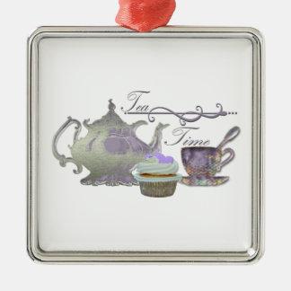 茶時間! 薄紫のティーポット、ティーカップおよびカップケーキの芸術 メタルオーナメント