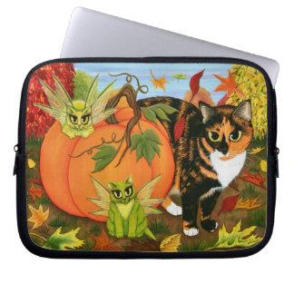 茶色のぶち猫妖精猫の葉の秋のラップトップスリーブ ラップトップスリーブ