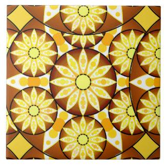 茶色の曼荼羅パターン、色合いおよび金ゴールド タイル