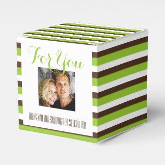 茶色の緑のストライブ柄の写真の結婚 フェイバーボックス