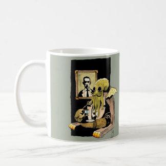 茶-マグ--を取るCthulhu コーヒーマグカップ