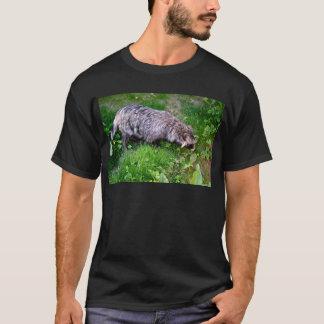 草のタヌキ Tシャツ