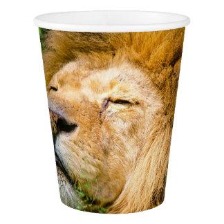 草のドープ塗料のライオン 紙コップ