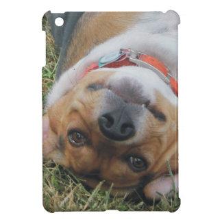 草のビーグル犬ロール iPad MINI CASE
