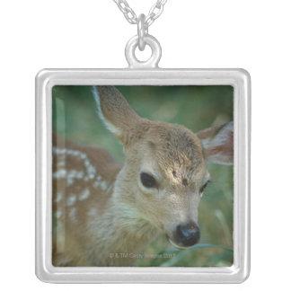 草の子鹿 シルバープレートネックレス