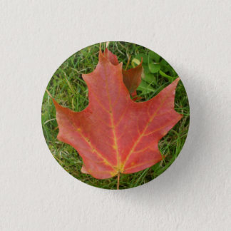 草の秋のカエデの葉 3.2CM 丸型バッジ