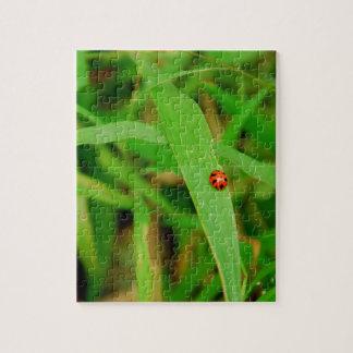 草のBug女性 ジグソーパズル