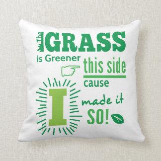 草は緑私がそれをそう作ったこの側面の原因です! クッション