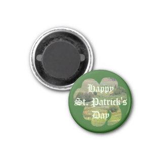 草原のシャムロックのセントパトリックの日の磁石 マグネット