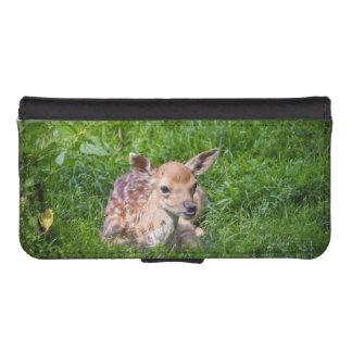 草、ベビー動物の小さい子鹿 iPhoneSE/5/5sウォレットケース