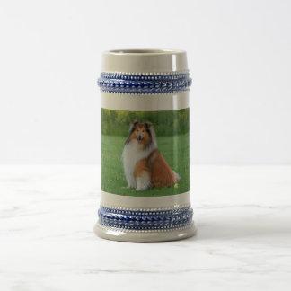 荒いコリー犬の美しい写真のtankard、ジョッキ ビールジョッキ
