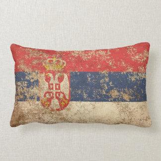 荒い老化させたヴィンテージのセルビア人の旗 ランバークッション