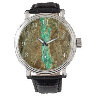 荒い茶色の石の自然なターコイズの静脈 腕時計