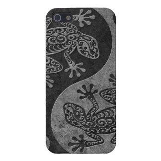 荒く暗い石造りの陰陽のヤモリ iPhone SE/5/5sケース