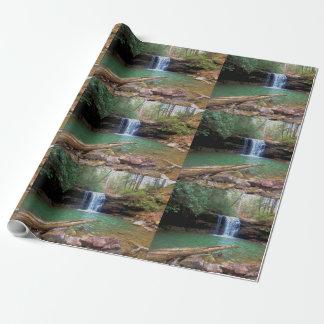 荒野のアパラチア地方住民の滝 ラッピングペーパー