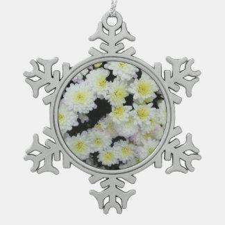 菊の集りの庭白 スノーフレークピューターオーナメント
