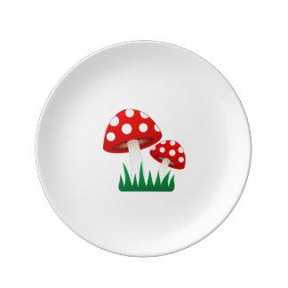 菌類が付いているプレート 磁器プレート