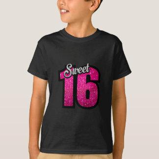 菓子16の16ピンクのグリッターの誕生会の女の子 Tシャツ