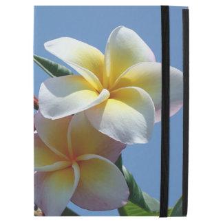 """華やかなプルメリアのFrangipaniの開花 iPad Pro 12.9"""" ケース"""