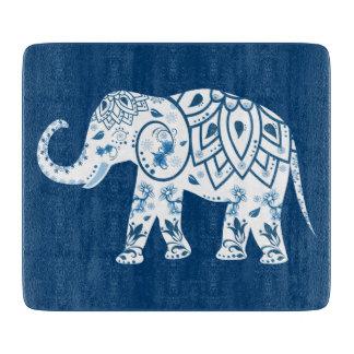 華美でパターン(の模様が)あるで青い象 カッティングボード