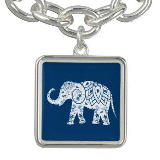 華美でパターン(の模様が)あるで青い象 チャームブレスレット