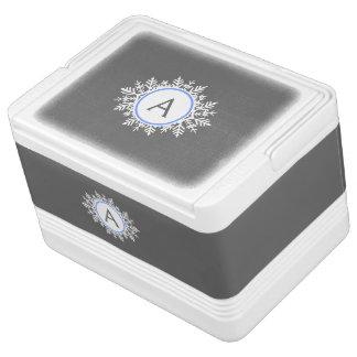 華美で白く明るく青い雪片のモノグラムの灰色 IGLOOクーラーボックス