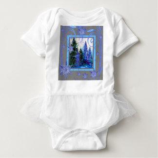 華美で青い冬の雪片の森林芸術 ベビーボディスーツ