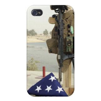 落ちたな兵士のギアの表示 iPhone 4/4S ケース