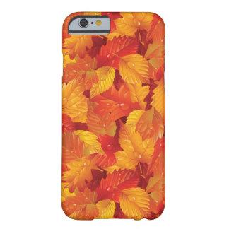 落ちた葉をぬらして下さい。 秋の背景 BARELY THERE iPhone 6 ケース