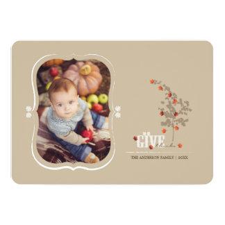 落ちる葉は感謝の感謝祭の写真カードを与えます 12.7 X 17.8 インビテーションカード