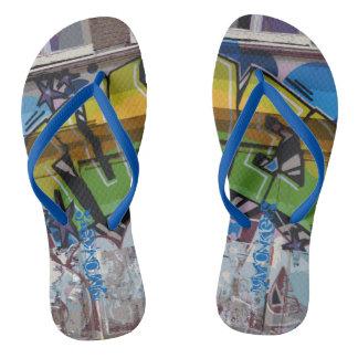 落書きのデザインのビーチサンダル明るい色の調子 ビーチサンダル