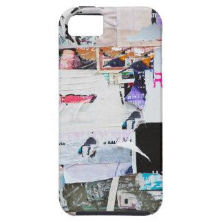 落書きの壁のBanksyのスタイルによって引き裂かれる紙 iPhone SE/5/5s ケース