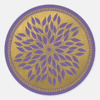 葉が多い紫外線および金ゴールドの曼荼羅 ラウンドシール