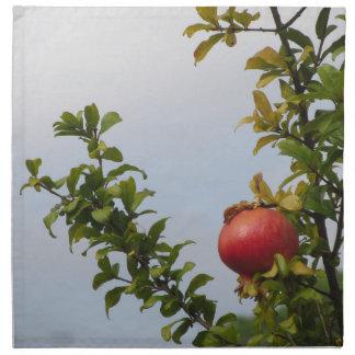 葉の木の独身ので赤いザクロのフルーツ ナプキンクロス