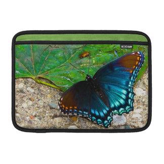 葉の蝶残り MacBook スリーブ
