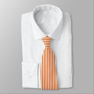 薄いオレンジ白い縦ストライプのタイ ネクタイ