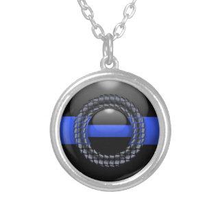 薄いブルーライン組み立てられたボタン シルバープレートネックレス