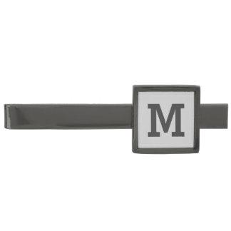 薄い灰色および灰色のモノグラム ガンメタル タイバー
